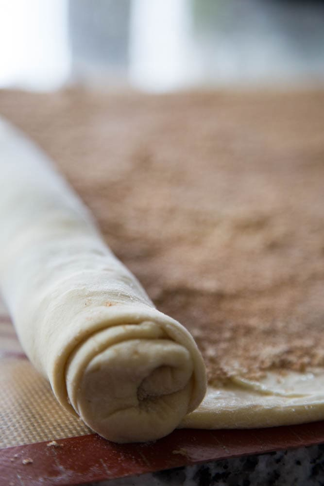 photo showing how to roll the dough