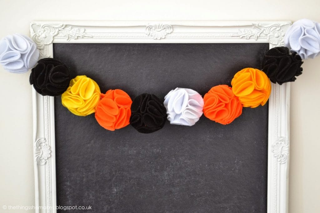 pom-pom-garland-wreath