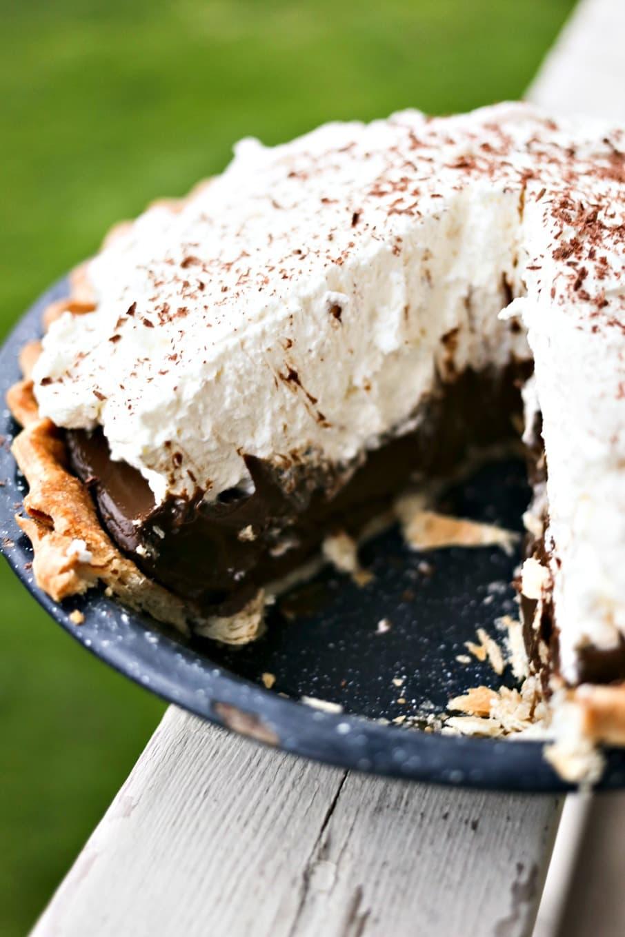 Kahlua Chocolate Cream Pie chocolate pudding, homemade whipped cream, cocoa dusting