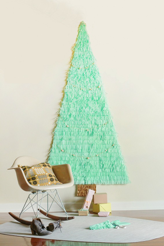FUN & FESTIVE SPACE SAVING CHRISTMAS TREE
