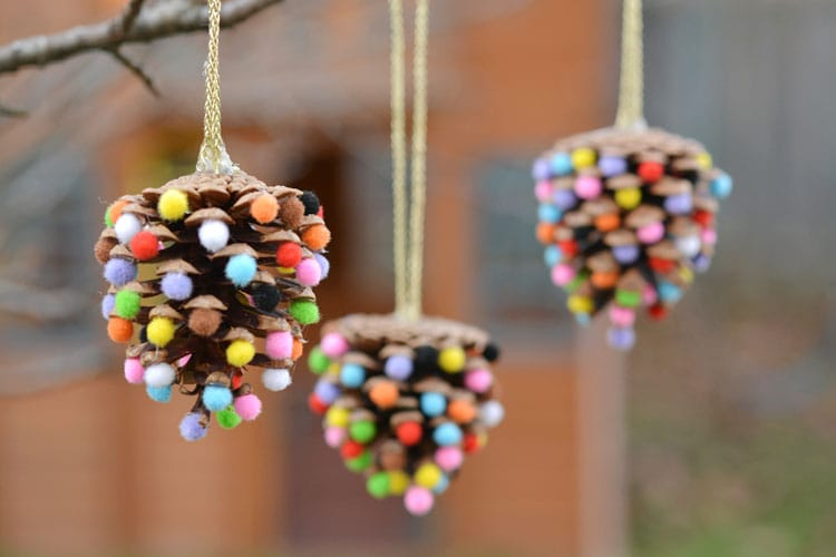POM POMS AND PINE CONES CHRISTMAS ORNAMENTS