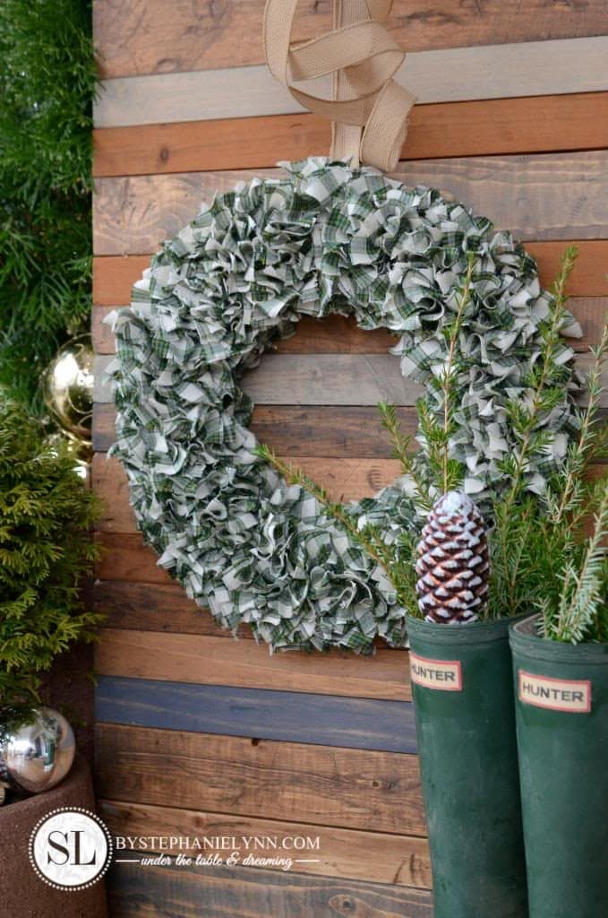 PLAID FABRIC WREATH