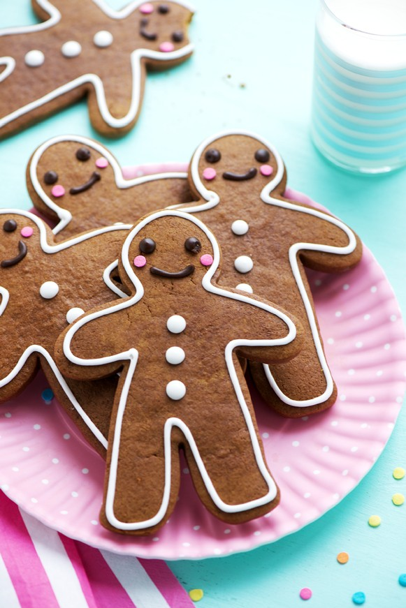 The Perfect Ginger Bread Cookies, gingerbread man, sprinkles and icing