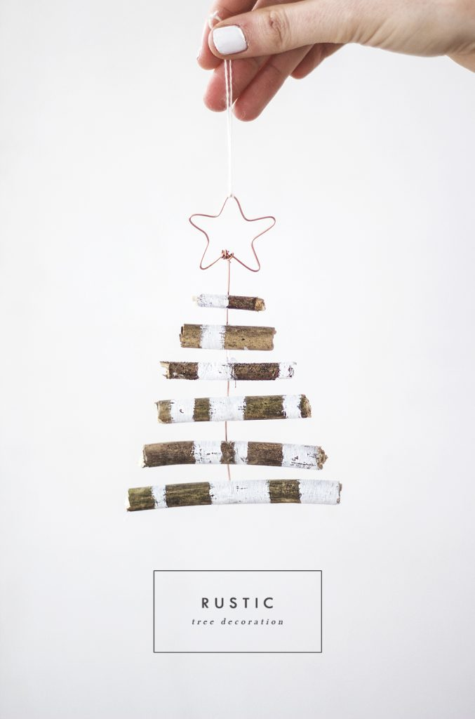 RUSTIC TREE DECORATION