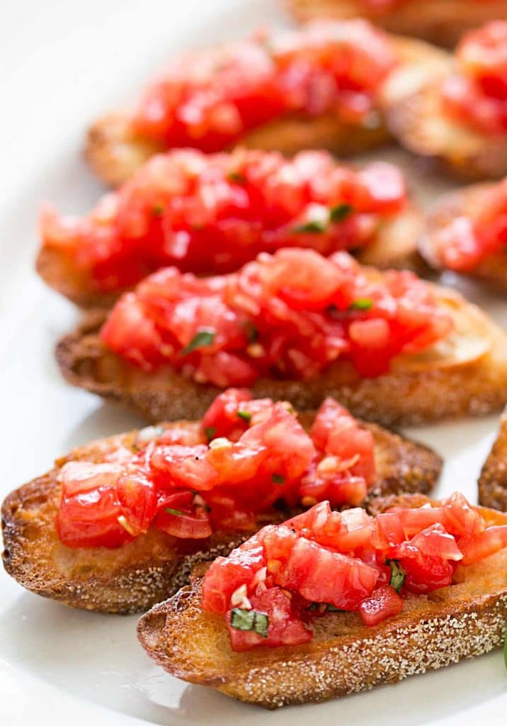 toasted Bruschetta with Tomato and Basil topping