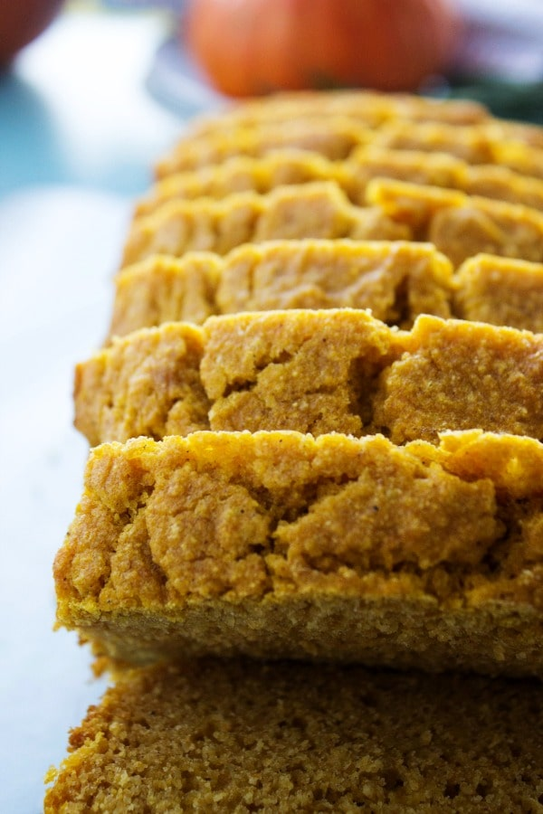 pumpkin-cornbread-loaf