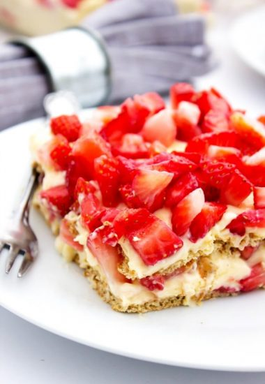 No-Bake Strawberry Cheesecake Ice Box Cake