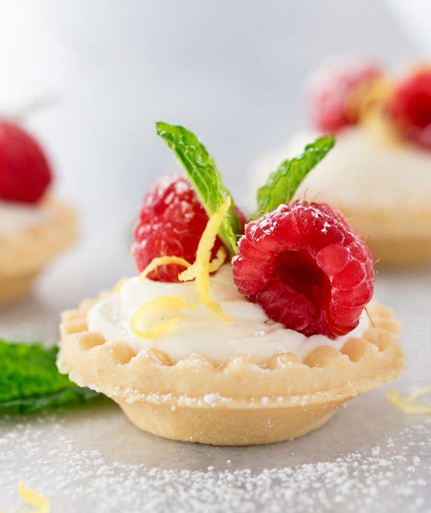 NO BAKE WHITE CHOCOLATE LEMON CHEESECAKE TARTS