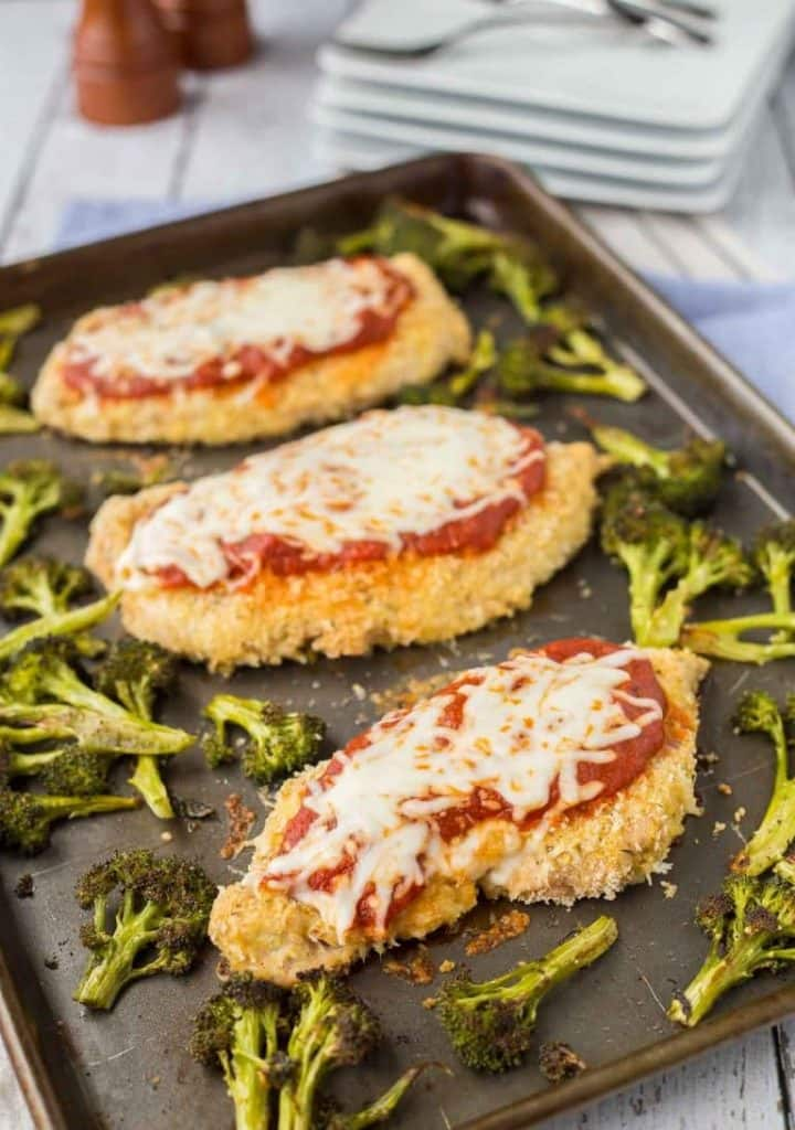 BAKED CHICKEN PARMESAN & BROCCOLI