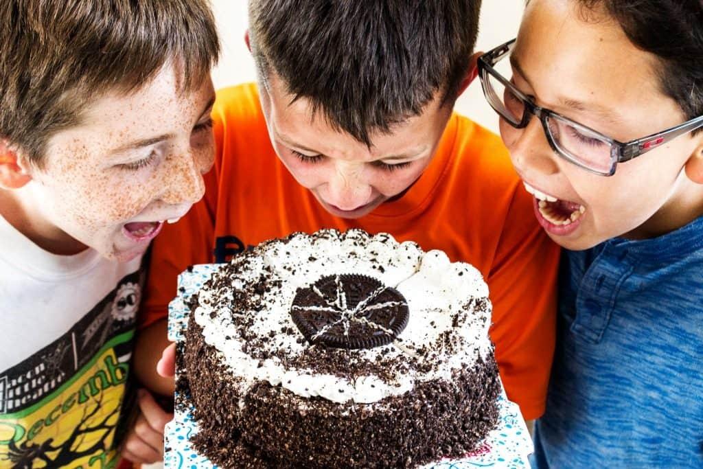 COOKIES & CREAM HOT FUDGE SAUCE - Anxiously awaiting finished cake
