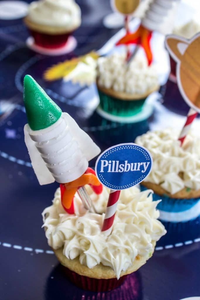 EASY ROCKET CUPCAKES Cupcake on galaxy themed table