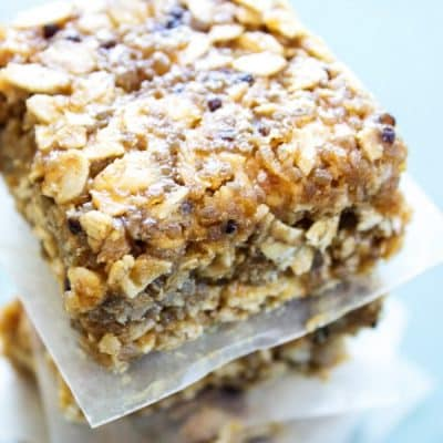 NO BAKE QUINOA & OAT BARS