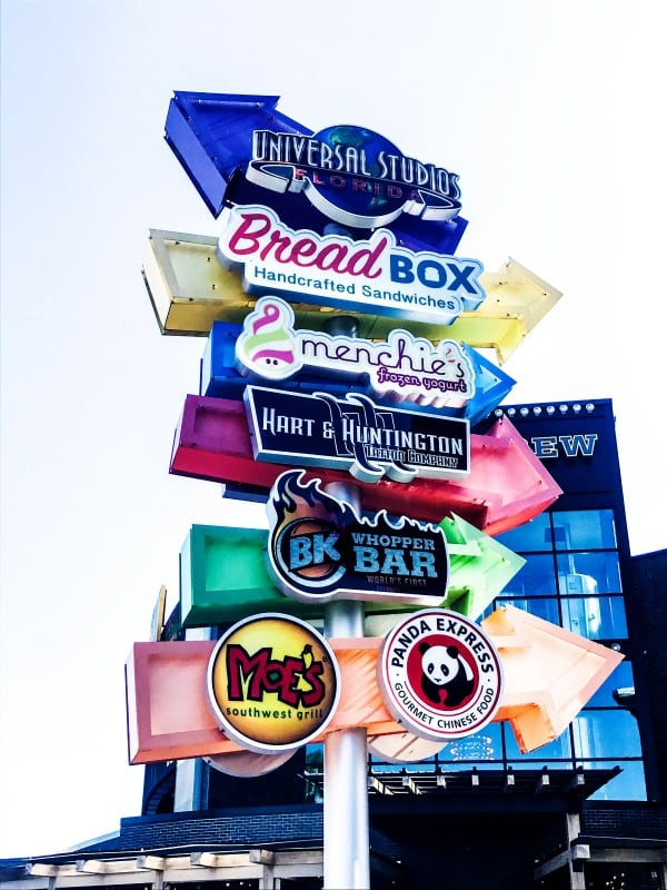 photo of universal studios boardwalk restaurants sign