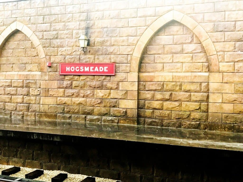 photo of hogsmeade station for hogwarts express at universal studios