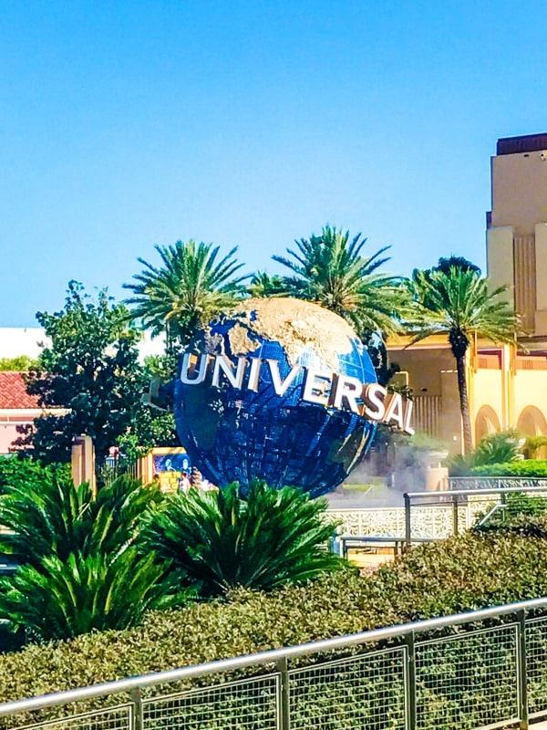 universal globe sign at universal studios