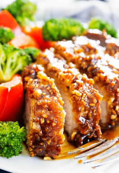 cashew pork, cashew, pork chops, boneless pork loin chops, cashew chicken, cashew sauce, broccoli, red peppers, oven fried, fried