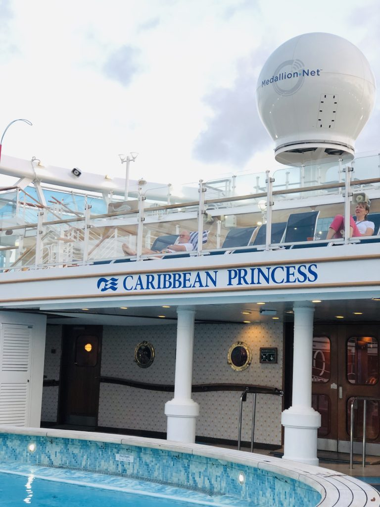 photo of pool deck on the caribbean princess ship
