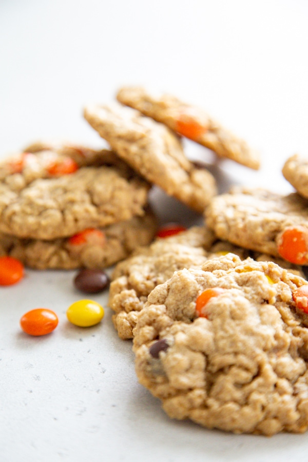 close-up photo of a pile of cookies.